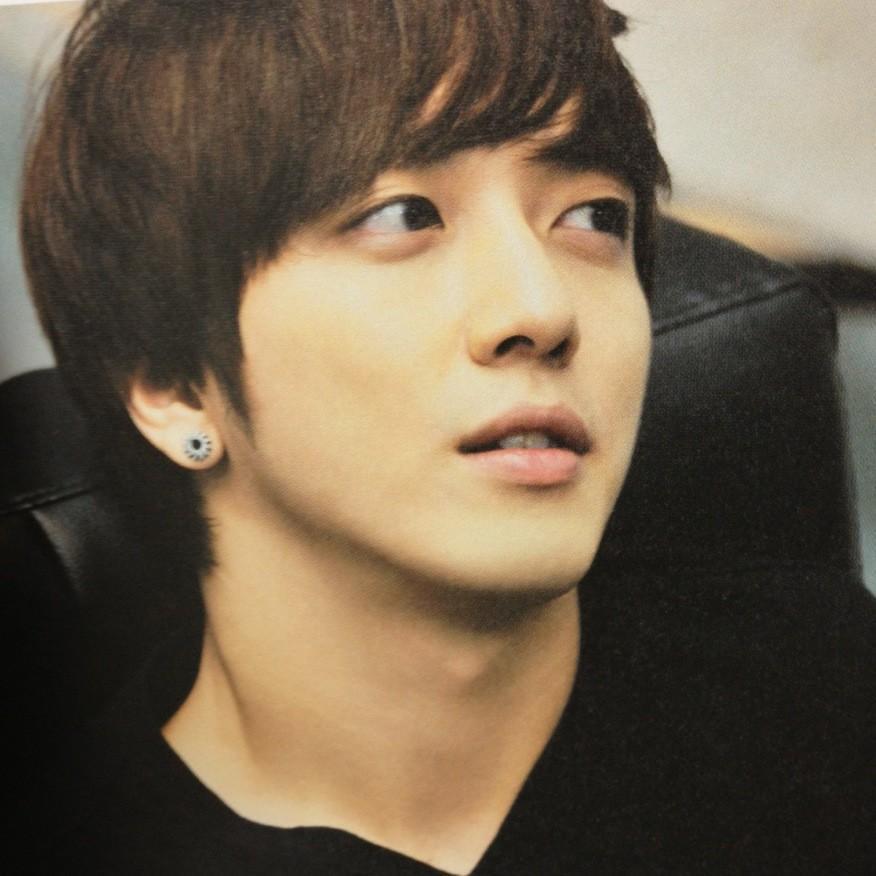 Jung Yong Hwa Jyh