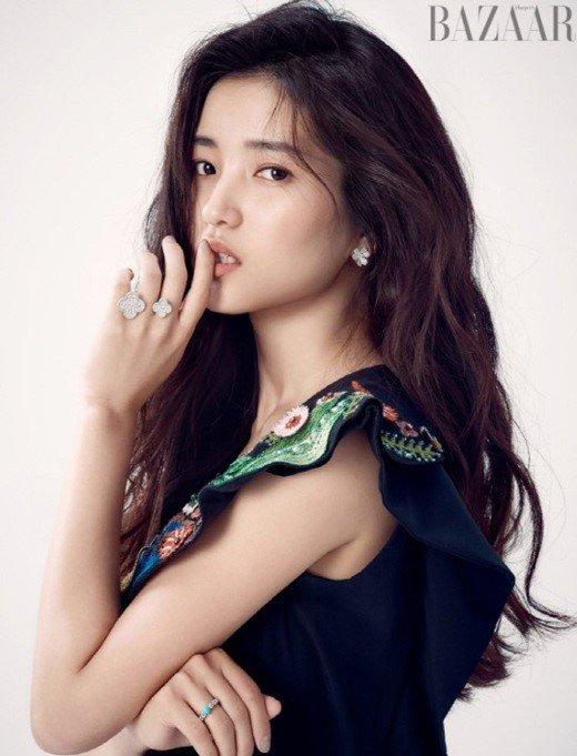 Rising movie actress Kim Tae Ri and Yoo Yeon Seok join Lee